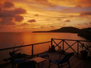 ON THE SEA! #1 reviewed spot on the island!  Private, chill and couples only!