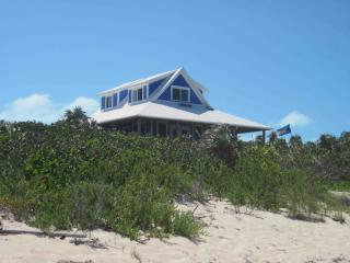 Beautiful Oceanside House on Secluded Protected Cove