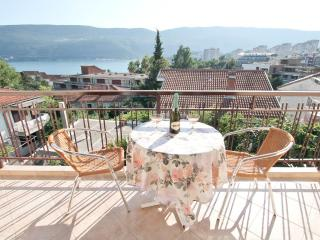 Apart with 2 bedrooms, a balcony with sea view