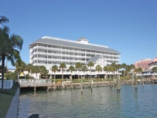 Waterfront Views,W/D, Free Wi-Fi, Cable & Phone, DVR, Walking Distance to Everyt