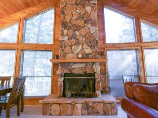 PineTime LUXURY Cabin in Rim Country Tonto National Forest in Pine, AZ sleeps 9*