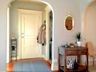 2 bd Vacation Flat - Ideal Walkable NW 21st Locale