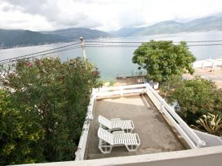 2-storey villa with a gorgeous view of the bay