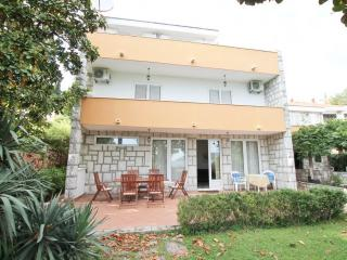 3storey house overlooking the sea, with large yard