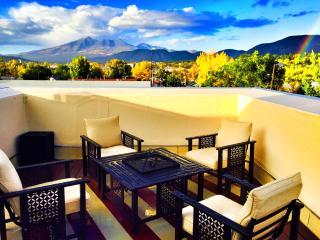 PRIVATE Rooftop Deck w/AC! Next to NAU & Downtown
