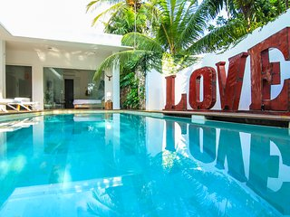 Villa Ivy -5 Bed Luxe Pool Villa Heart of Seminyak_Perfect for Families/Groups