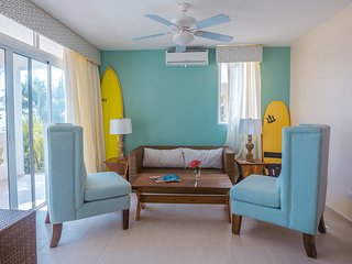 Beachcomber - Large Group Private Accommodation - Beach-Front Paradise