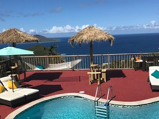 Luxury Honeymoon Suite/ Wifi/ Gated/ Privacy/ Private Pool/ Hot Tub