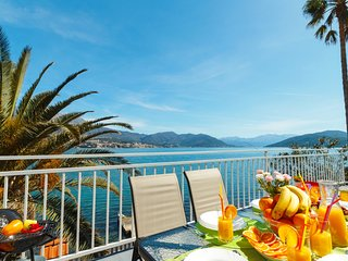 Seafront House with Fantastic View on Boka Bay