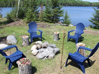 SUNDOG LAKE COTTAGE (Republic, MI): 1 hour from Marquette! Pets welcome!
