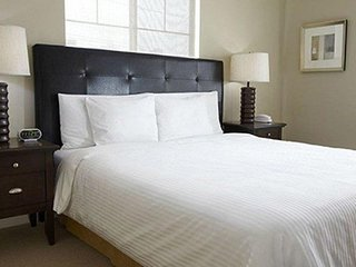 Oakwood Portland Pearl District - One Bedroom Furnished Apartment