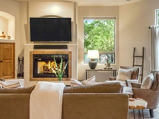 NEW! West Sedona 4BR luxury home on private half acre w/ Hot Tub & Mountain View