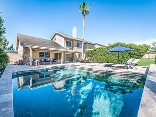 Remodeled home w/ private pool, foosball & pool table
