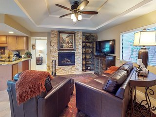 Dog-friendly & remodeled condo w/shared pool, hot tub and tennis