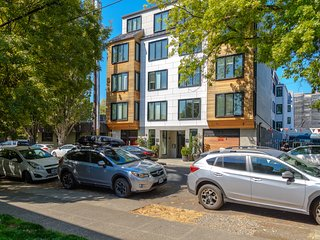 Six condos w/ modern perks in a great location near shops & more! Dogs OK!