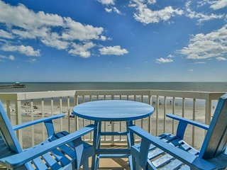 411 CHARLESTON OCEANFRONT VILLAS- RIDING THE WAVES- OCEAN FRONT