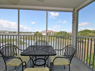 2G TURN OF RIVER- SPACIOUS CONDO - MINS TO THE BEACH