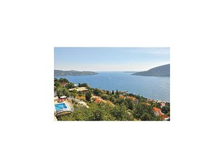 Awesome home in Herceg Novi w/ WiFi and 2 Bedrooms