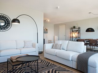 Tasteful Apartment In The Hague With Marina Views