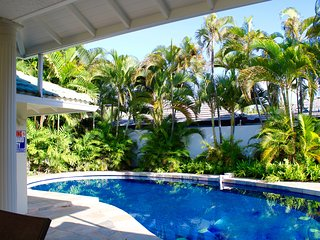 Gorgeous 6 bedroom 4 bath house, one block from the Beach. Monthly rent $16800
