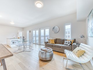 Newly finished Nob Hill Condo w/ central location perfect for exploring city